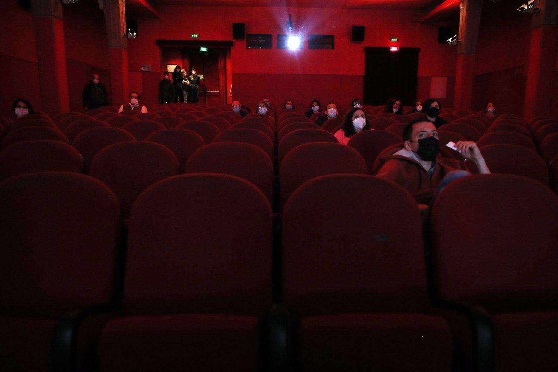 Kino teatro darbuotojos frazė išmušė iš vėžių.<br>AP/Scanpix asociatyvi nuotr.