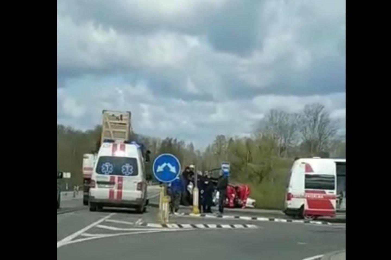 Per avariją Utenos r. žuvo du žmonės.<br>Stop kadras iš vaizdo medžiagos