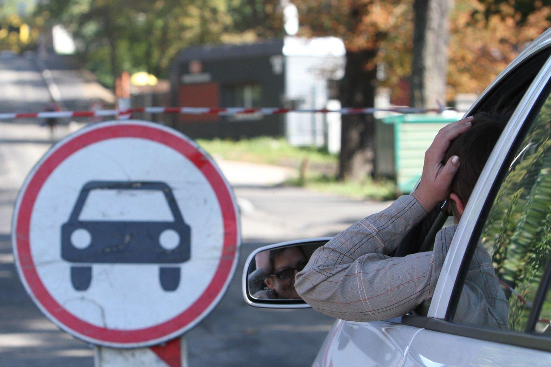 Vairavimas reikalauja nemažai protinių pastangų.<br>M.Patašiaus nuotr.