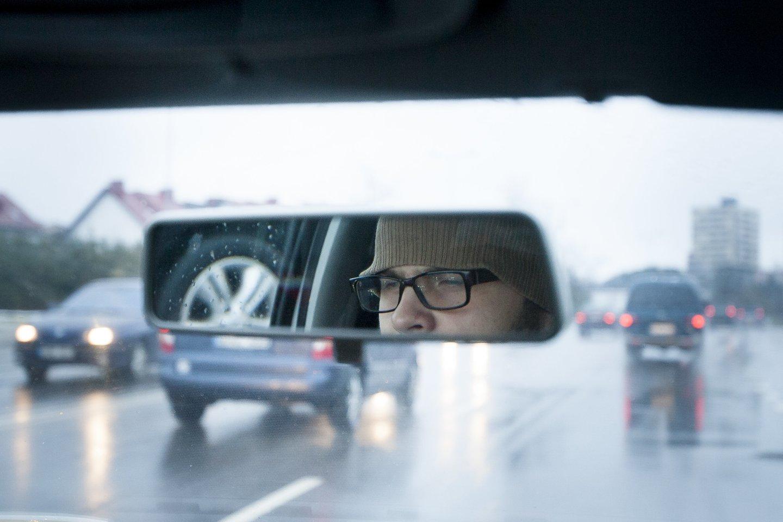 Vairavimas reikalauja nemažai protinių pastangų.<br>J.Stacevičiaus nuotr.