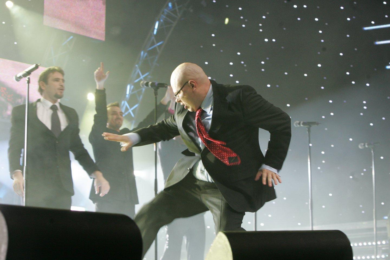 """LT United"" ir legendinis A.Lukošiaus šokis.<br>R.Jurgaičio nuotr."