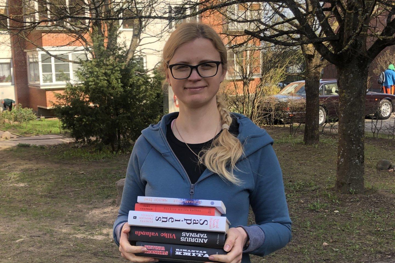 """Knygų klausymo ir skaitymo iššūkį laimėjusi Eglė Kizalienė: """"Prie knygos leidau dienas ir naktis"""".<br>Pr. spaudai siuntėjų nuotr."""