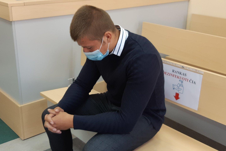 Nesusivaldęs M.Icikevičius žiauriai sumušė merginą, kuriai lig šiol reikia medikų pagalbos.<br>A.Pilaitienės nuotr.