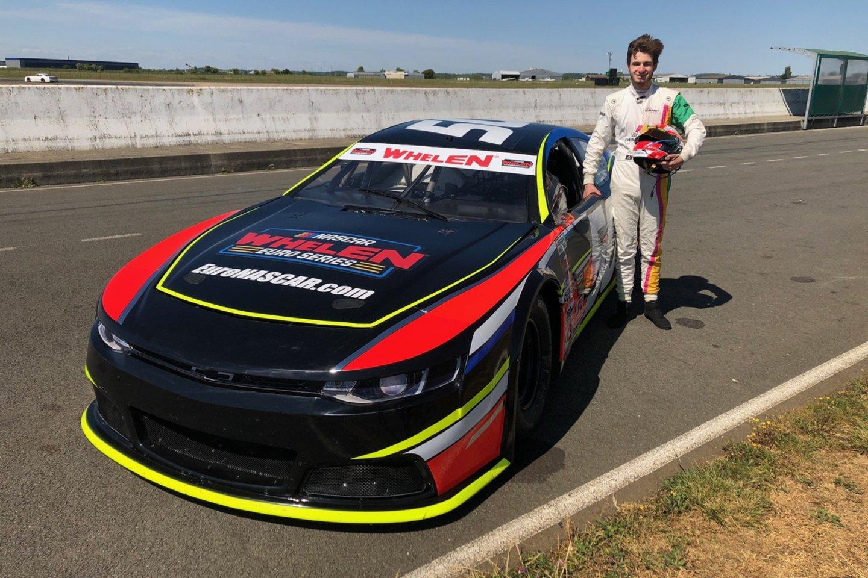 G.Grinbergas yra pirmasis lenktynininkas iš Lietuvos, išbandęs NASCAR automobilį.