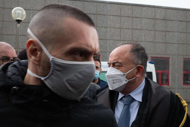 """Italija trečiadienį pradėjo plataus masto tarptautinę policijos operaciją prieš organizuotą nusikalstamą grupuotę """"Ndrangeta"""".<br>AFP/Scanpix nuotr."""