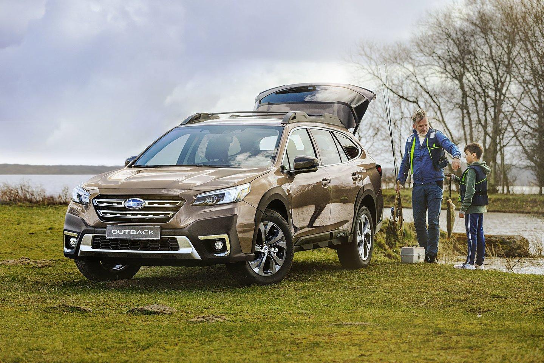 """Oficialią """"Subaru"""" atstovybę, """"JMA centras"""", jau pasiekė šeštosios kartos """"Subaru Outback"""".<br>Pranešėjų spaudai nuotr."""