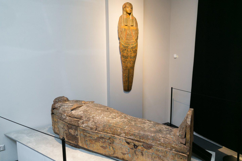 Sarkofagas sumaždaug 50 metų moters mumija, datuojama pirmuoju tūkstantmečiu prieš mūsų erą.<br>T. Bauro nuotr.