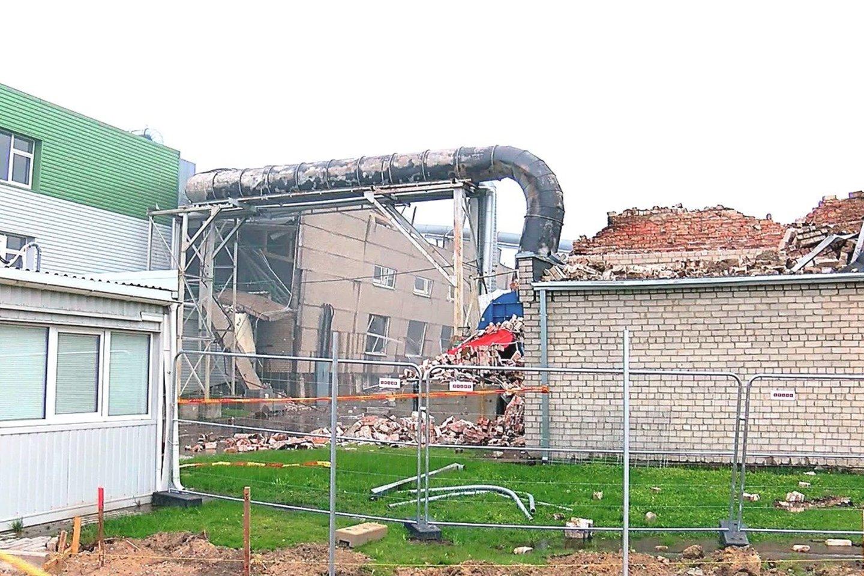 Kol kas neaišku, kodėl Klaipėdoje įmonę sudrebino galingi sprogimai.<br>P.Juodsnukio nuotr.