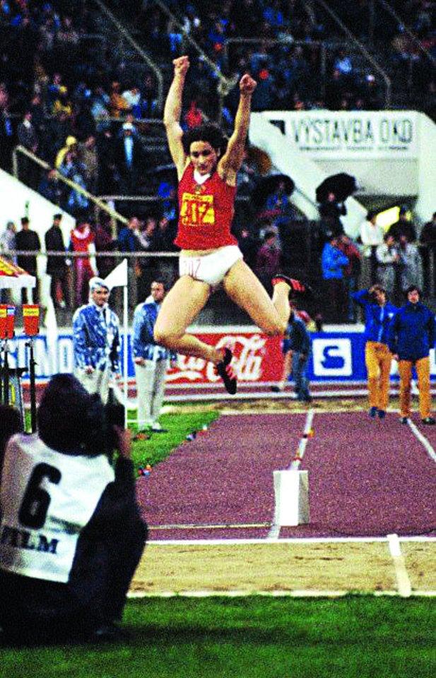 Akimirkos pasiekus rekordą – Vilhelmina į tolį nušoko 709 centimetrus.<br>Asmeninio archyvo nuotr.