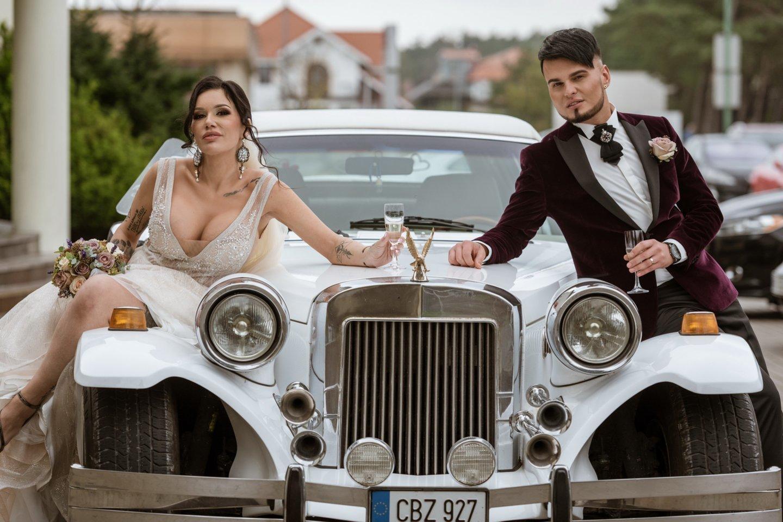 Justinos ir Vytenio vestuvių akimirka.<br>A.Kubaičio nuotr.