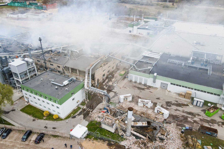 Kol kas neaišku, kodėl Klaipėdoje įmonę sudrebino galingi sprogimai.<br>K.Armonaičio nuotr.