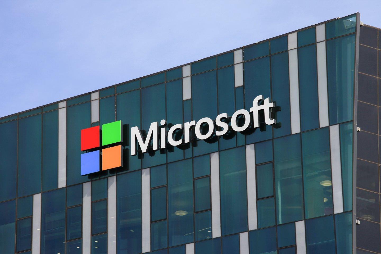 """JAV technologijų milžinė """"Microsoft"""" ketvirtadienį pažadėjo laikyti visus klientus duomenis, surinktus Europoje esančiuose debesų centruose, Europos Sąjungoje ir neperkelti jų į Jungtines Valstijas.<br>123rf nuotr."""