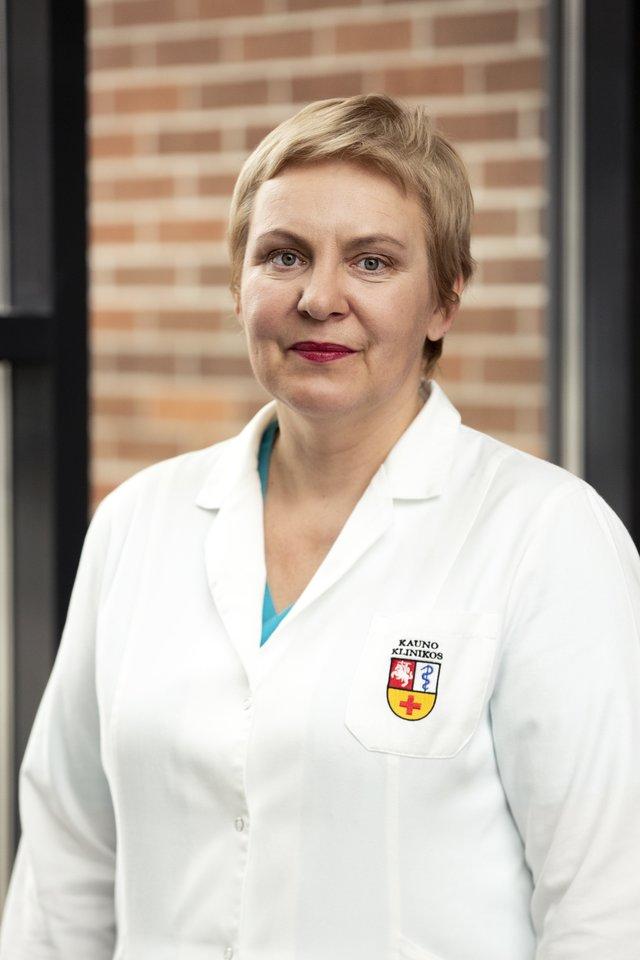 Pasak Kauno klinikų Reprodukcinės medicinos centro vadovės doc. dr. Eglės Drejerienės, susidūrus su sunkumais planuojant nėštumą, svarbiausia – psichologinis nusiteikimas.<br>Kauno klinikų nuotr.
