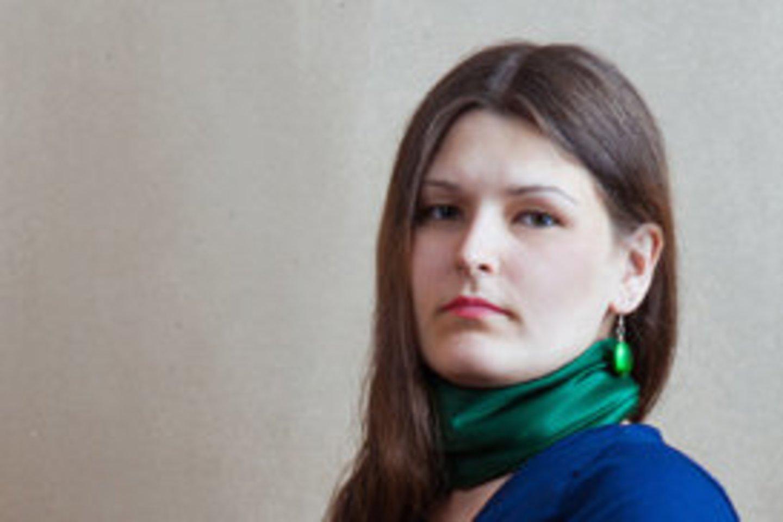 A.Pakarklytė – muzikologė, aktyvi kultūros savivaldos procesų dalyvė.