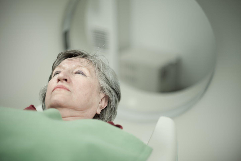 Moteris skundėsi, kad klinikoje išrengta koridoriuje ji pasijuto pažeminta.<br>123rf.com asociatyvioji nuotr.