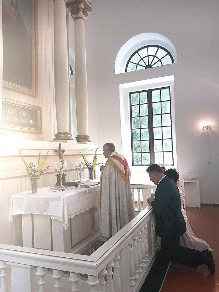 Latvijos bažnyčioje surengta ceremonija virto detektyvu ir apkartino Svetlanos gyvenimą.<br>Nuotr. iš asmeninio albumo