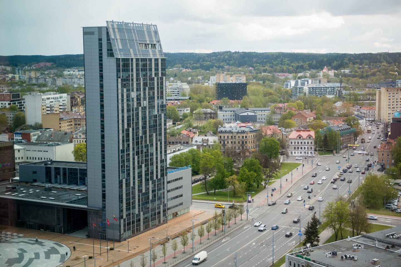 Vilniaus savivaldybė mažina jos pastato 20-ojo aukšto nuomos kainą.<br>J.Stacevičiaus nuotr.
