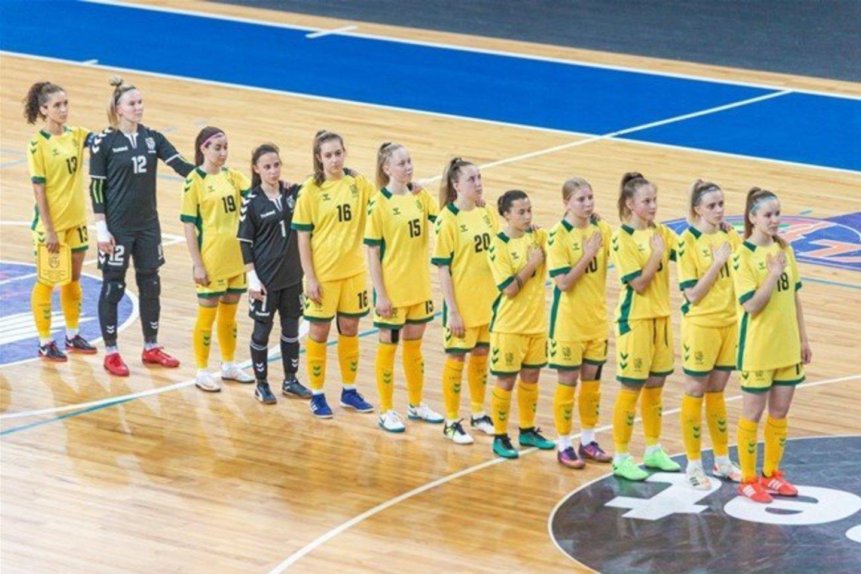 Lietuvos moterų futsal rinktinė 1:10 nusileido serbėms.<br>LFF nuotr.