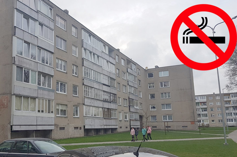 Tokiu rūkyti draudžiančiu ženklu netrukus pasipuoš jau 4 Šilutės daugiabučiai.<br>silutesnaujienos.lt nuotr.