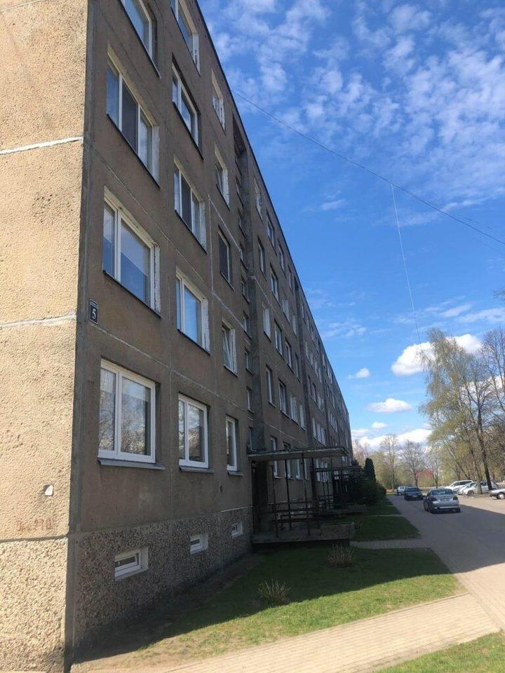 Jaunimo alėjos 5-ojo namo gyventojai taip pat jauišsireikalavo, kad balkonuose nebūtų rūkoma.<br>silutesnaujienos.lt nuotr.