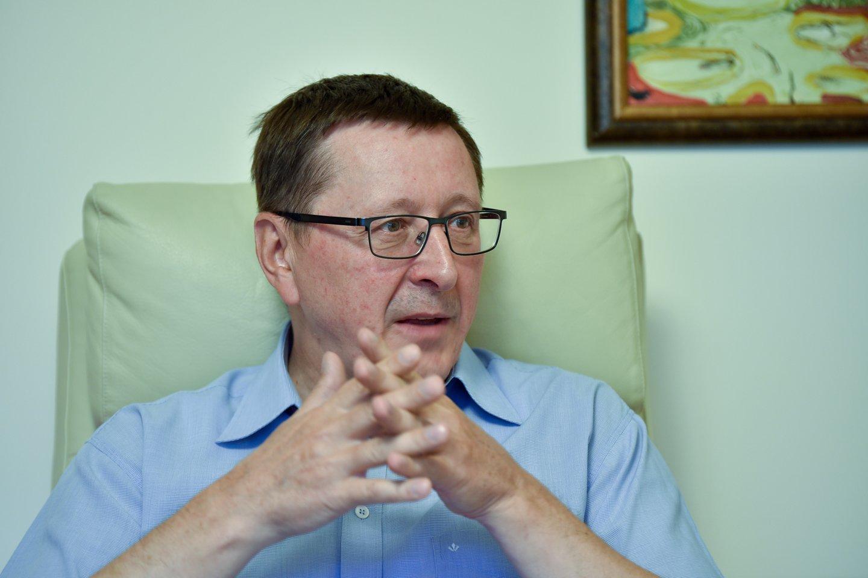 """Gegužės 10 dienąsueina dveji metai, kai netikėtai mirė humoristas, ilgametis """"Dviračio žinių"""" vedėjas, ekonomikos mokslų daktaras Vytautas Šerėnas.<br>V.Ščiavinsko nuotr."""
