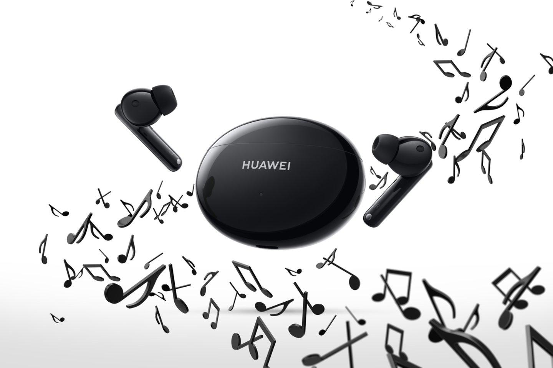 """""""Huawei FreeBuds 4i"""" sklandžiai veikia su visais išmaniaisiais telefonais ar kitais įrenginiais."""