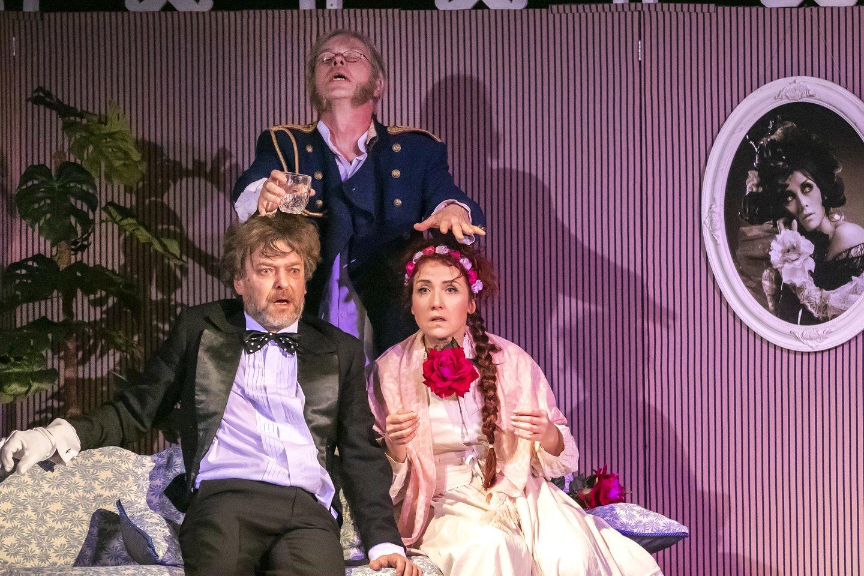 """Į muzikinio teatro """"Legendos"""" sceną sugrįžta Kristinos Kazlauskaitės režisuotas spektaklis """"Principas"""".<br>S.Barasos nuotr."""