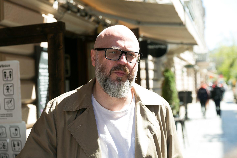 """Veiklą po karantino apribojimų atnaujinantys Vilniaus barai ir kavinės paskelbė socialinę iniciatyvą """"Iki švaraus miesto – tik keli žingsniai"""".<br>T.Bauro nuotr."""
