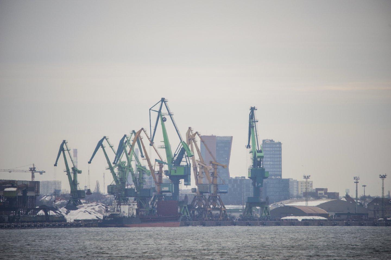 Klaipėdos jūrų uostas.gilinamas forvateris<br>V.Ščiavinsko nuotr.