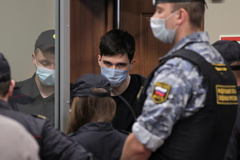 Rusijos mokykloje kruvinas skerdynes surengęs 19-metis pripažino savo kaltę.<br>Reuters/Scanpix nuotr.