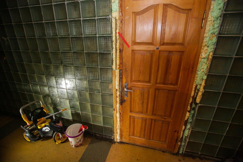 Sunkiai besiverčiančios šeimos namai nustebino skaitytoją.<br>G.Bitvinsko asociatyvi nuotr.