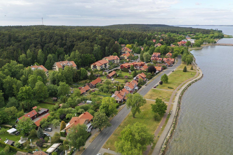 Neringos ir Smiltynės gyventojai bei čia registruotos įmonės, taip pat kai kurie kiti žmonės ir įmonės iš Klaipėdos į Neringą vėl galės persikelti be eilės.<br>V.Ščiavinsko nuotr.