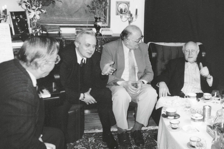 Iš kairės Vytautas Landbsergis, Raimundas Katilius, Donatas Katkus, Mstislavas Rostropovičius, 1997 m.<br>Leidėjų (asmeninio autoriaus archyvo) nuotr.