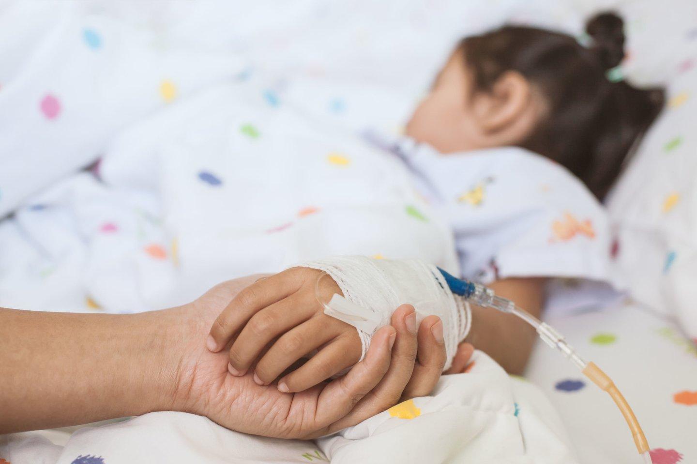 """""""Pirmieji gyvenimo metai buvo sudėtingi – ją nuolat kankino atsinaujinančios infekcijos. Dabar jai 5 kartus per parą atliekama šlapimo takų kateterizacija, todėl infekcijos pasireiškia rečiau, o mergaitė jaučiasi žymiai geriau"""", – atvirauja Ditės mama Giedrė.<br>123rf nuotr."""