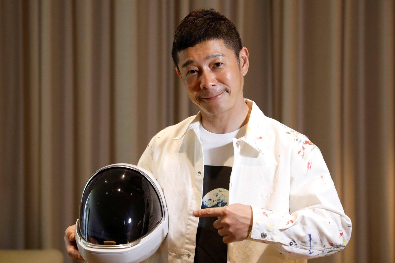 Japonijos milijardierius Yusaku Maezawa (nuotraukoje) ir jo asistentas Yozo Hirano taps kitais turistais, galėsiančiais nukeliauti į Tarptautinę kosminę stotį (TKS).<br>Reuters / Scanpix nuotr.