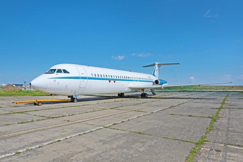 Buvusio Rumunijos komunistų diktatoriaus Nicolae Ceausescu (Nikolajės Čiaušesku) prezidentinis lėktuvas vėliau šį mėnesį bus pardavinėjamas aukcione.<br>www.romania-insider.com nuotr.