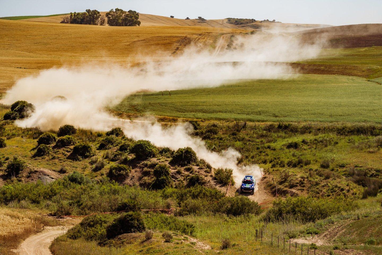"""Kvalifikacijoje antrąją vietą iškovojusi """"Agrorodeo"""" komanda pirmajame greičio ruože išlaikė tempą ir finišą pasiekė taip pat antroje pozicijoje.<br>Vytauto Dranginio nuotr."""