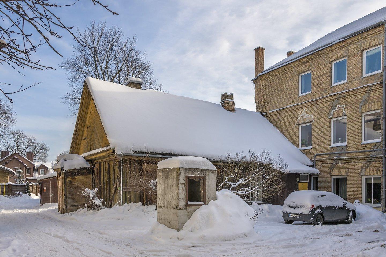 """Viename skelbimų portalų atsitiktinai pamatytas skelbimas apie sostinės Žvėryne, S. Moniuškos gatvėje, parduodamą namą su patvirtintu rekonstrukcijos projektu aplinkinių namų gyventojus pribloškė.<br>""""Inreal"""" nuotr."""