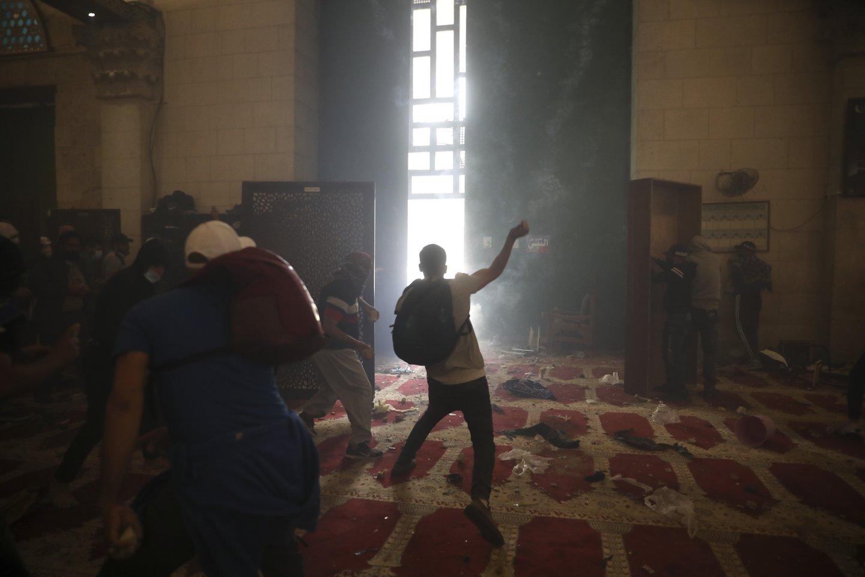 Izraelis telkia pajėgas prie Gazos Ruožo ir imasi priemonių vidaus neramumams malšinti<br>AP/Scanpix nuotr.