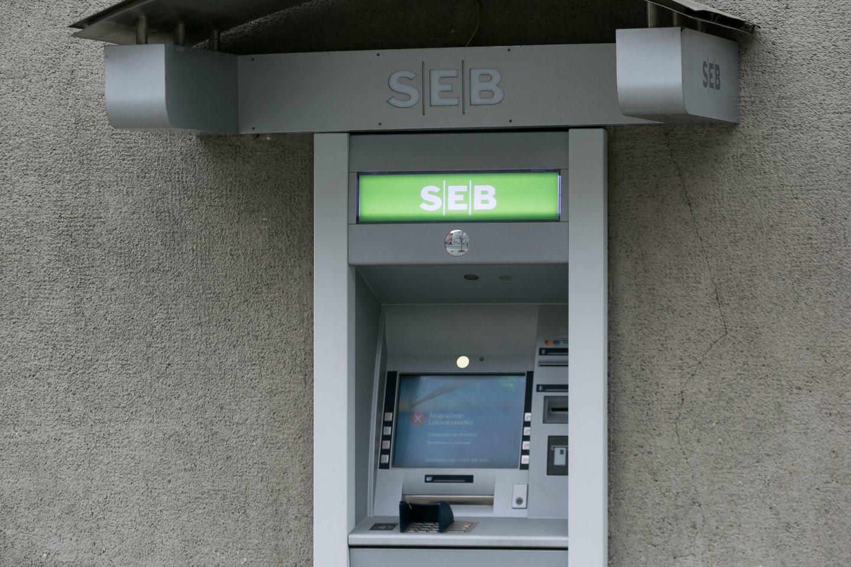 Lietuvoje siūloma bankomatus statyti taip, kad 95 proc. žmonių juos pasiektų 5 km spinduliu.<br>T.Bauro nuotr.