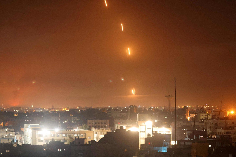 """Šią savaitę skelbtuose pareiškimuose dėl krizės Artimuosiuose Rytuose JAV pabrėžė, kad Izraelis turi teisę gintis nuo raketų atakų, rengiamų Gazos Ruožą kontroliuojančio islamistų judėjimo """"Hamas"""".<br>AFP/Scanpix nuotr."""