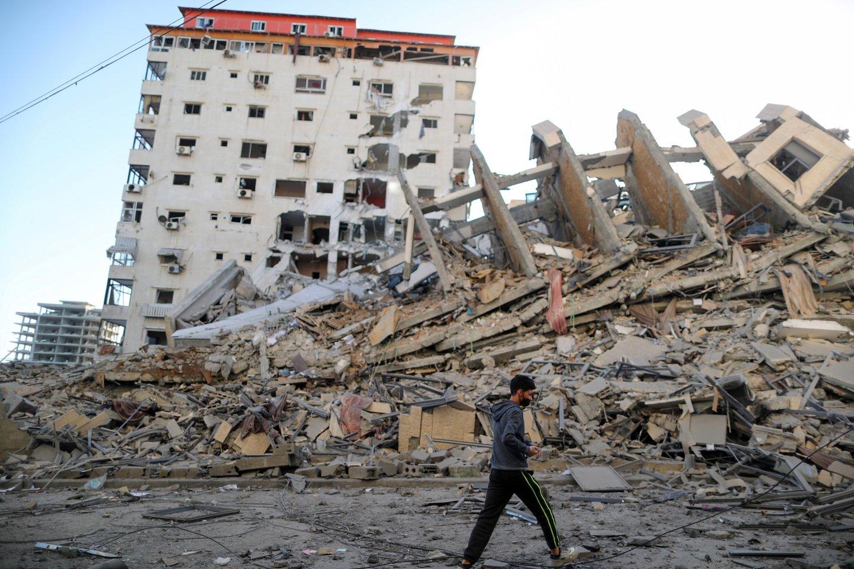 Prieš kelias dienas prasidėjusiam kruvinam konfliktui intensyvėjant, žuvusių palestiniečių skaičius jau viršijo 100.<br>Reuters/Scanpix nuotr.