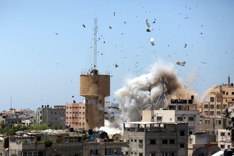 Prieš kelias dienas prasidėjusiam kruvinam konfliktui intensyvėjant, žuvusių palestiniečių skaičius jau viršijo 100.<br>SIPA/Scanpix nuotr.