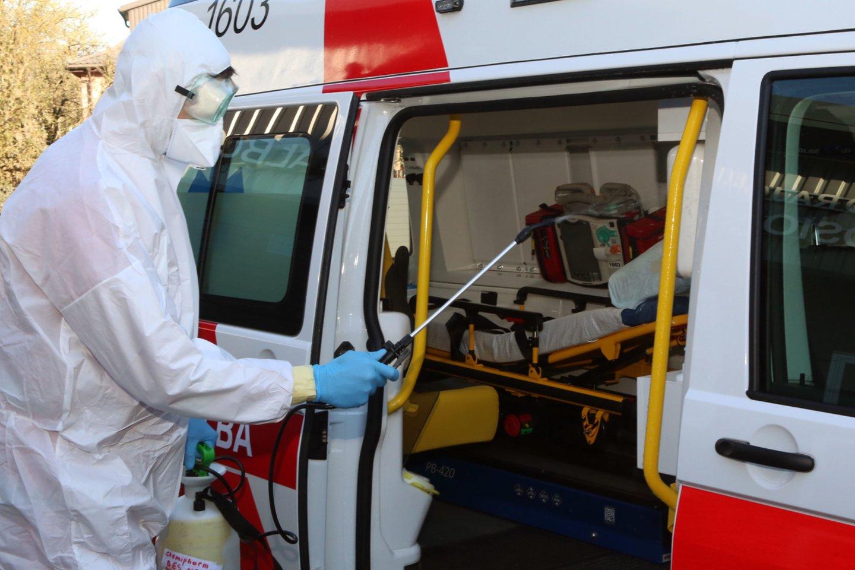 Su pandemija kovojančių medikų algoms numatyta papildomų lėšų.<br>M.Patašiaus nuotr.