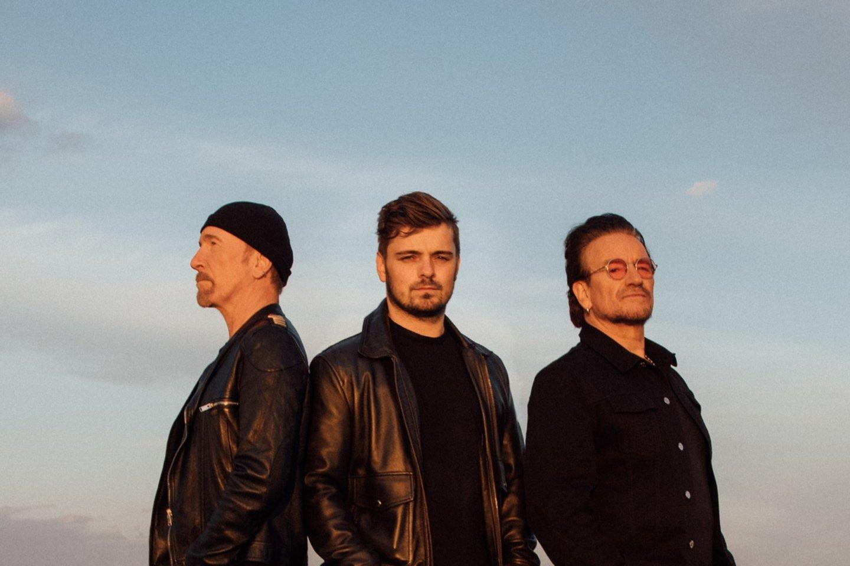 """Olandų muzikos prodiuseris Martinas Garrixas, roko grupės """"U2"""" vokalistas Bono ir gitaristas The Edge.<br>Asmeninio albumo nuotr."""