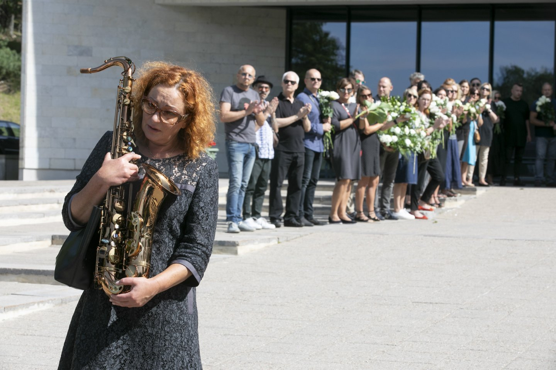 Kaskart, paėmusi į rankas saksofoną, Reda išgyvena daug emocijų ir prisiminimų<br>T.Bauro nuotr.