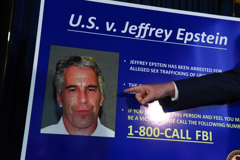 Teigiama, kad viename iš susitikimų vėlyvu paros metu B.Gatesas labai ilgai užsibuvo J.Epsteino namuose Manhatene.<br>Getty Images/Scanpix