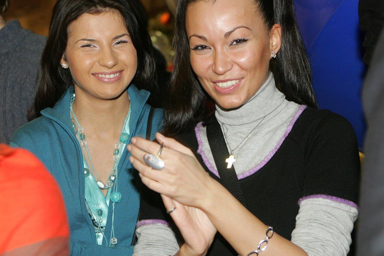 Dainininkė Sniegė ir Karina Krysko 2006-ųjų lapkritį.<br>G.Skaraitienės nuotr.