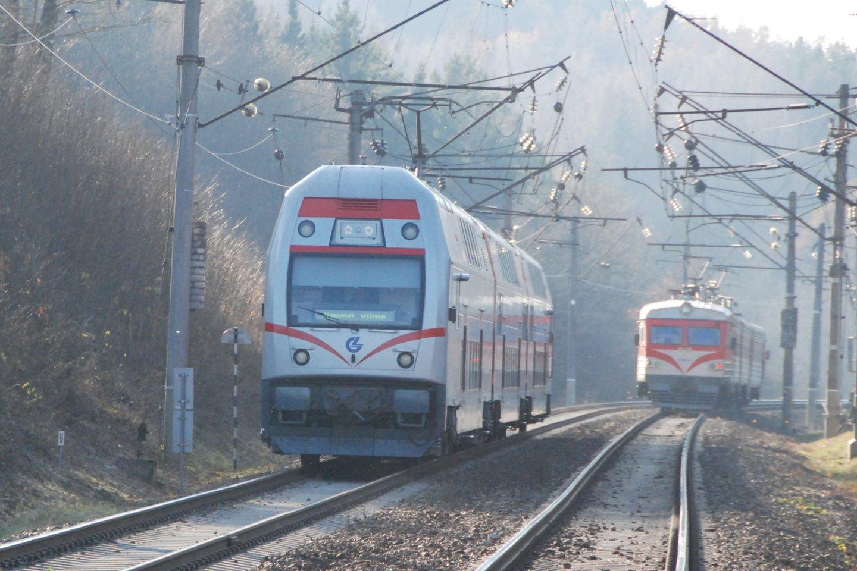 Balandžio mėnesį, atlaisvinus judėjimo tarp savivaldybių ribojimus, keleivių srautas ėmė nuosaikiai didėti.<br>Pranešėjų spaudai nuotr.