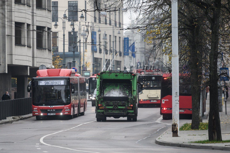 Pasak socialdemokratų, jei tokios derybos nevyks, miesto troleibusų ir autobusų vairuotojai gali surengti įspėjamąjį streiką.<br>V.Skaraičio nuotr.